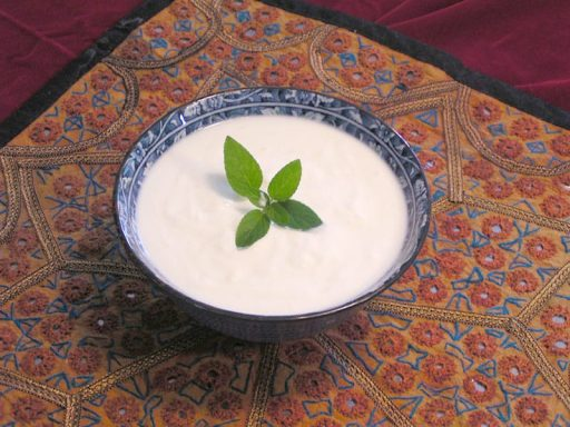 homemade-plain-yogurt